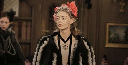Дочь Джонни Деппа иВанессы Паради стала звездой показа Chanel